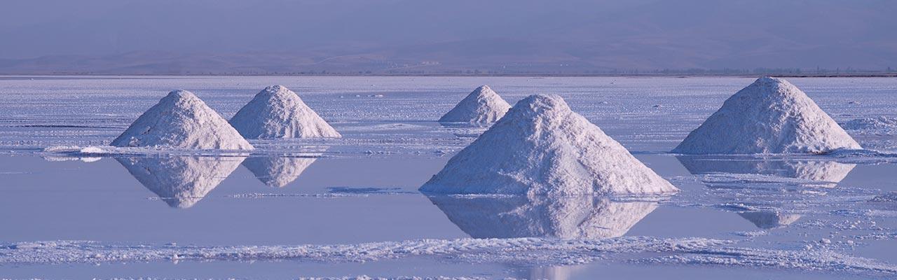 ウルミエ塩湖の塩